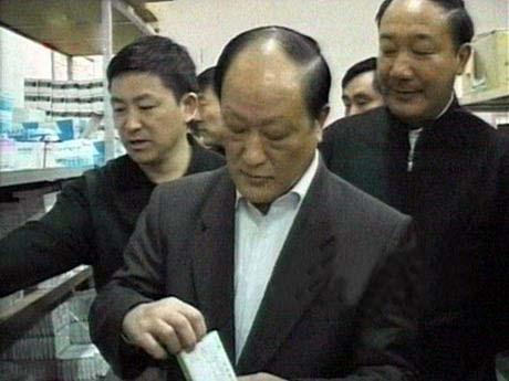 潘忠余到霍邱县督查产品质量和食品安全工作