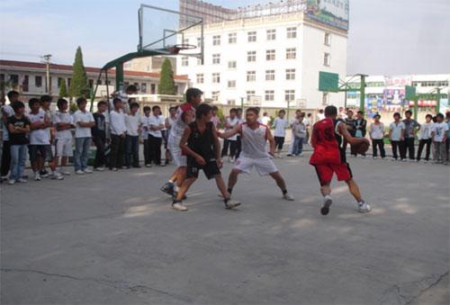 国寿霍邱支公司举行趣味篮球赛运动会